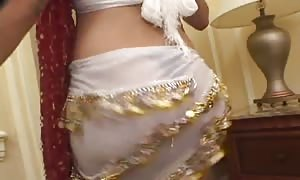 This Indian attractive mommy desires try go on deep-throating hard-on and balls tryout