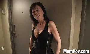 Swinger mommy behind the scenes