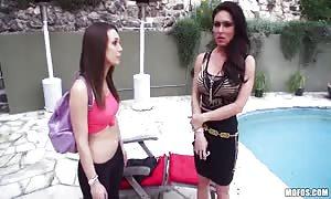 long-legged brunettes are liking sloppy 3some action