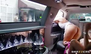 Diamond Kitty and Phoenix Marie inserted into in a limo