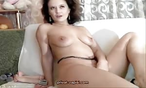 Tanned mom I'd want to bang