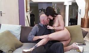 Glamourous Aleksa Nicole seducing with her succulent mupp pie
